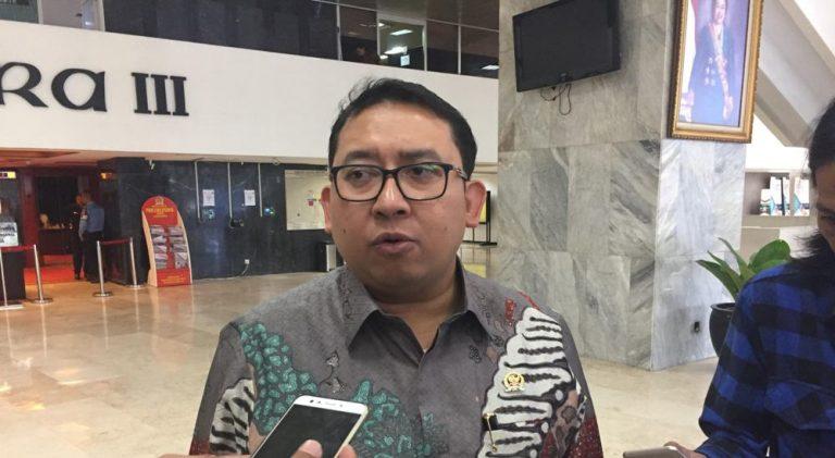Fadli Zon: Jangan Jadikan Rakyat 'Bebek Percobaan' Vaksin Impor