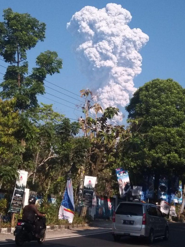 Sutopo BNPB : Kondisi Masyarakat sekitar Gunung Merapi Normal