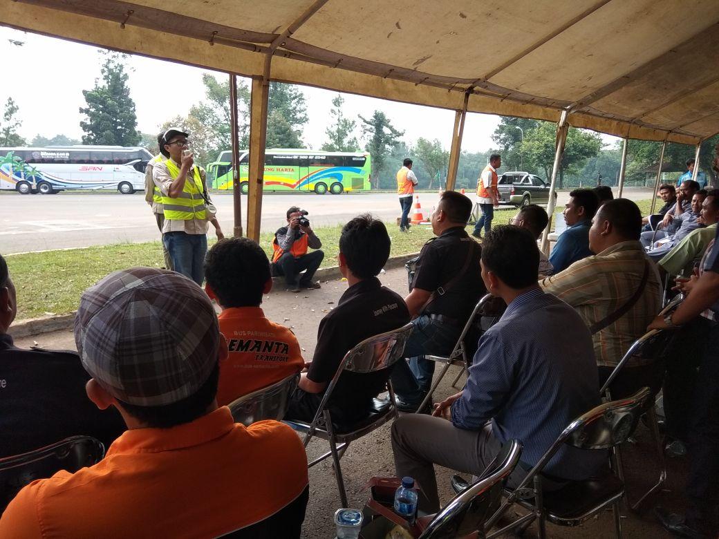 Pelatihan Devensif Driving Bersama PT Jasa Marga