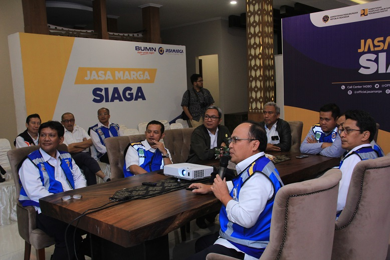Kementerian Badan Usaha Milik Negara (BUMN), lakukan tinjauan ke ruas-ruas jalan tol yang dikelola oleh Jasa Marga dan kelompok usahanya.