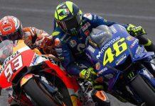 Valentino Rossi (#46) bersenggolan dengan Marc Marquez (#93) di putaran ke-20 MotoGP Argentina 2018. (DOK. MOTOGP)