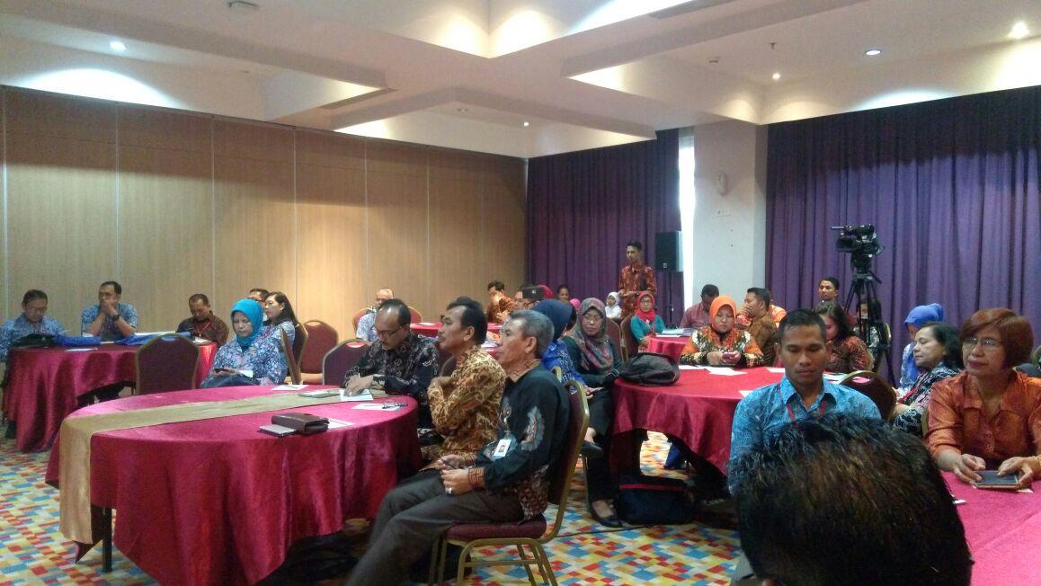 Temu Kerja Penyusunan Pedoman Pengelolaan Penilaian Angka Kredit Penyuluh KB dan Organisasi Profesi Penyuluh KB di Hotel 101 Bogor Suryakencana, Bogor-Jawa Barat