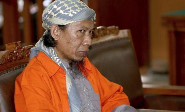 Pantau Persidangan, Mustofa Nahrawardaya Bela Bos ISIS Indonesia?