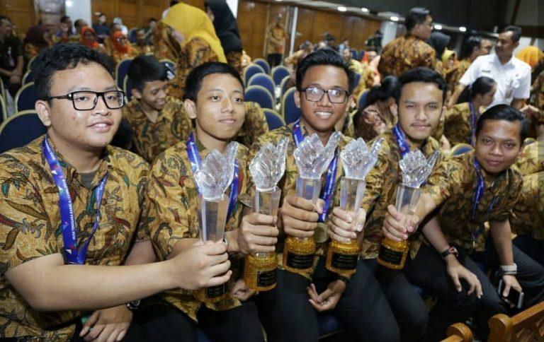 Anies Bangga, Kontingen Jakarta Rebut Juara Umum LKS