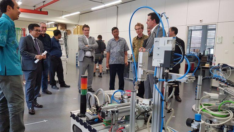 Politeknik di Indonesia ikuti dual vocational education and training di Swiss