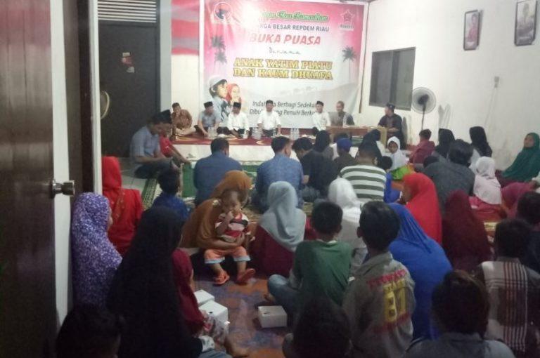 Repdem Riau Gelar Buka Bersama Yatim dan Dhuafa
