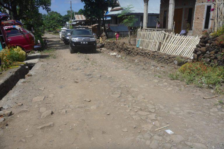 Dihadapan Prof Nurdin, Warga Biring Bulu Keluhkan Pembangunan Jalan