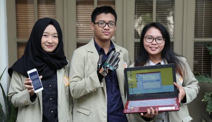 Mahasiswa UGM Ciptakan Alat Penerjemah Bahasa Isyarat