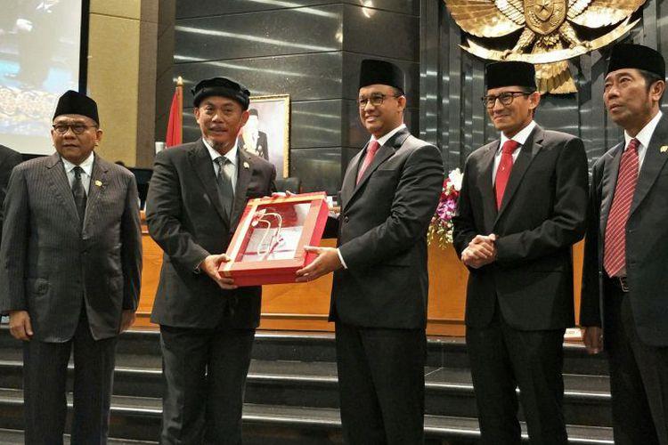 Skybridge Tanah Abang untuk Warga, Gubernur dan Ketua DPRD Ribut Terus