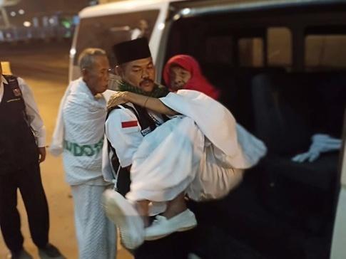 Seksus Masjidil, Dedikasi 24 Jam untuk Jemaah