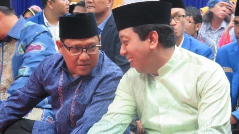 Di Depan Kyai Said, Jokowi Sebut Romy dan Cak Imin Bersaing