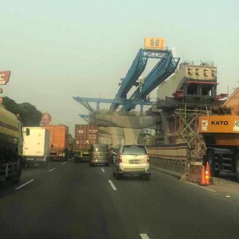 "Kejar Target Desember, Pengelola Tol Jakarta-Cikampek II Elevated Pakai ""Launcher Gantry"""