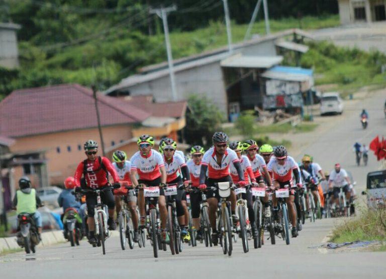 Kampanye Olahraga, Tim Jelajah Sepeda Nusantara Kelilingi Pulau Sulawesi – Jawa