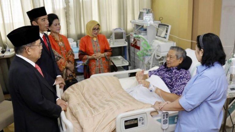 Ani Yudhoyono Terharu Jokowi dan JK Jenguk Sang Suami