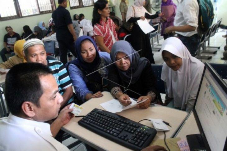 DPRD DKI Janji Akan Evaluasi PPDB di Jakarta