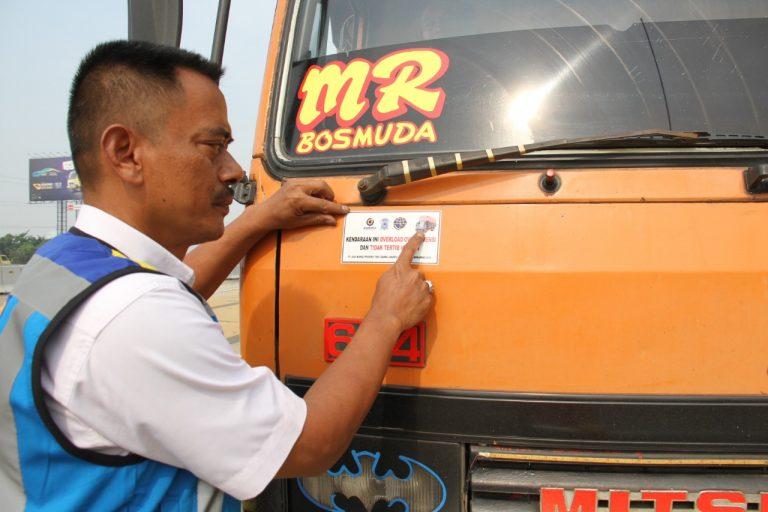 Hari Ketiga Operasi ODOL, Petugas Tindak 186 Kendaraan di Tol Jakarta-Tangerang