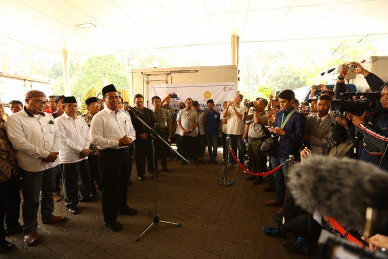 Menteri Amran Sumbangkan 1 Tahun Gajinya untuk Korban Gempa Lombok