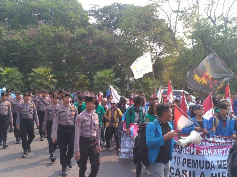 Sambutan Meriah Aksi Longmarch Mahasiswa Jakarta-Yogyakarta