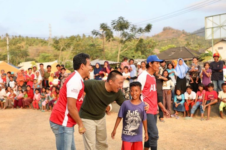 Gandeng Atlet dan Grup Band, Menpora Bantu Pulihkan Trauma Korban Gempa Lombok