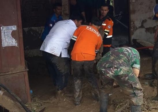 BAZNAS Bantu Korban Banjir Bandang Tanah Datar
