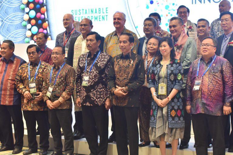 Kelakar Jokowi: Ingin Bahagia, Dengarkan Musik Dangdut
