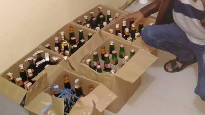 Yonif 642 Gagalkan Penyelundupan Ratusan Botol Miras Ilegal di Perbatasan RI-Malaysia