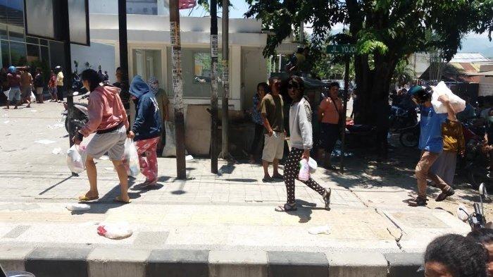 Barang Elektronik, Motor, Hingga Mesin ATM Dijarah Pasca Gempa