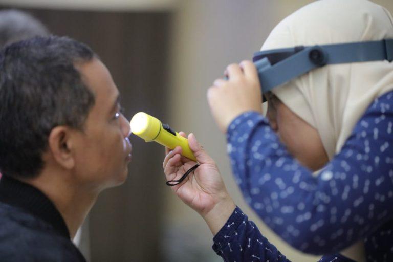 299 Orang Lolos Screening Operasi Katarak Gratis DJP Wajib Pajak Besar