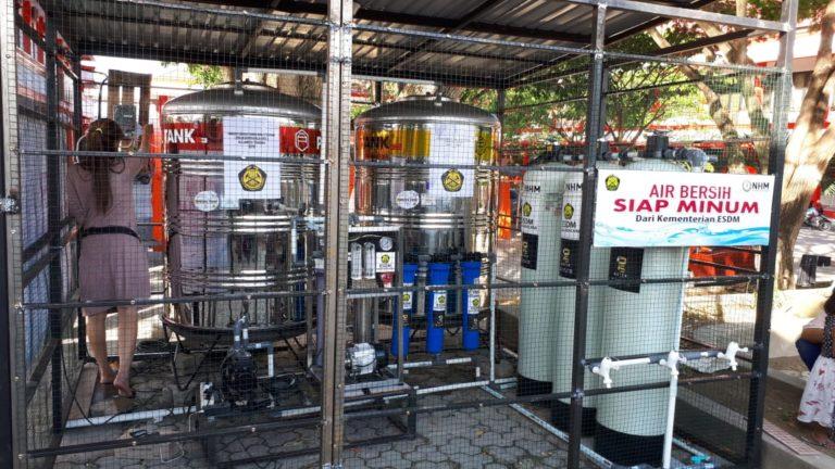 Tim Siaga Bencana Kementerian ESDM Operasikan 2 Unit Pengelolaan Air Bersih Siap Minum di Donggala