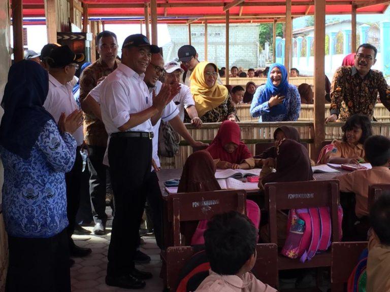 Pasca Bencana, Mendikbud Dorong Percepatan Pemulihan KBM di Palu
