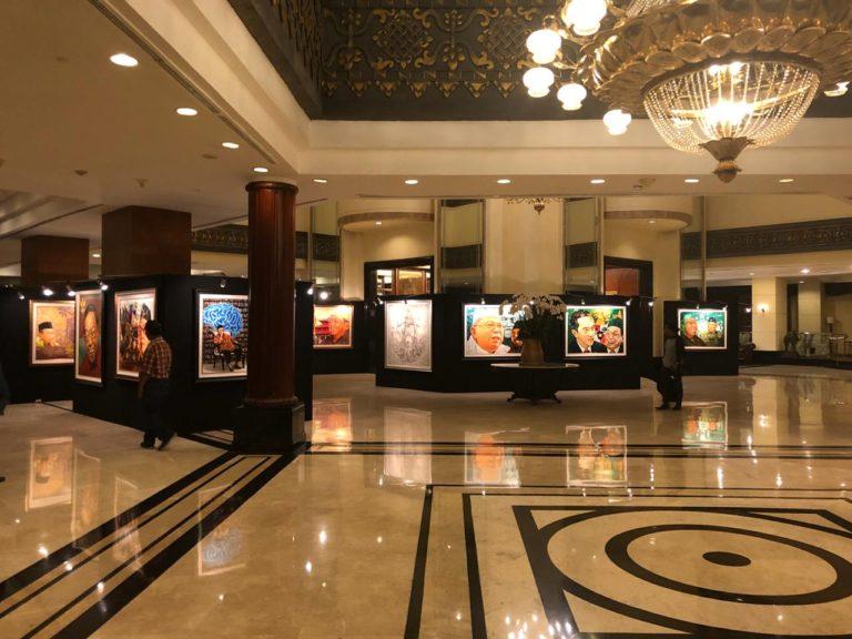 Yuk Lihat Pameran Lukisan Gus Dur di Hotel Sultan, Ada Diskon Khusus!