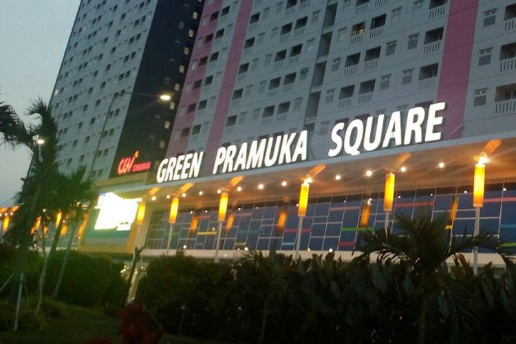 Tak Bayar Pajak Reklame, Penyewa Kios Mall Green Pramuka Square ditempel Stiker