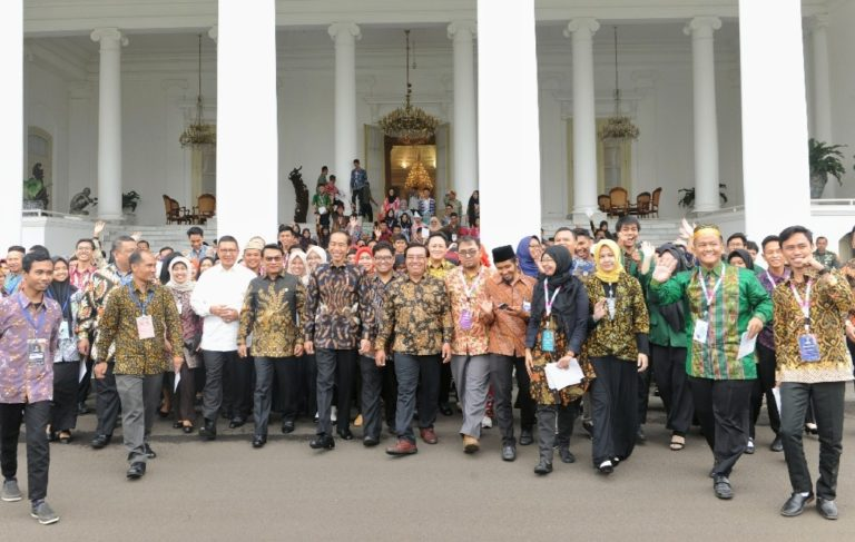 Jokowi Ajak Anak Muda Teladani Semangat Buya Syafii Maarif
