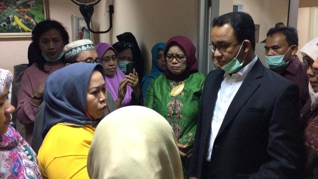 Anies Baswedan Kunjungi Korban Tsunami Selat Sunda yang Dirawat di RSUD Tarakan
