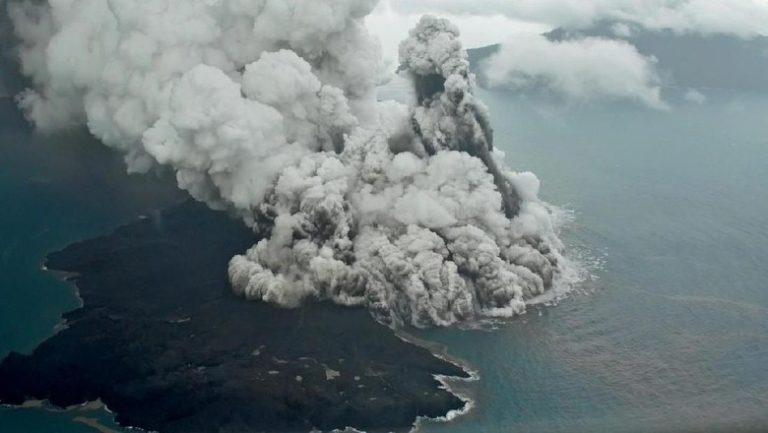 Status Gunung Anak Krakatau Naik jadi Siaga