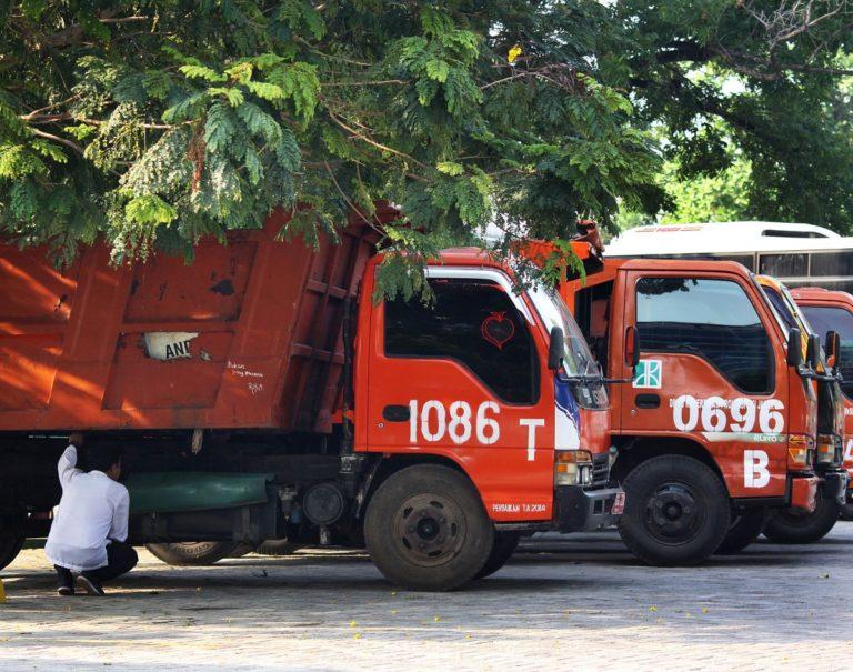 Gara-gara Ban Truk Sampah, Kadis LH DKI Diminta Ganti Pejabat
