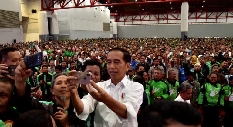 Jokowi puji Profesi Pengemudi Transportasi Online