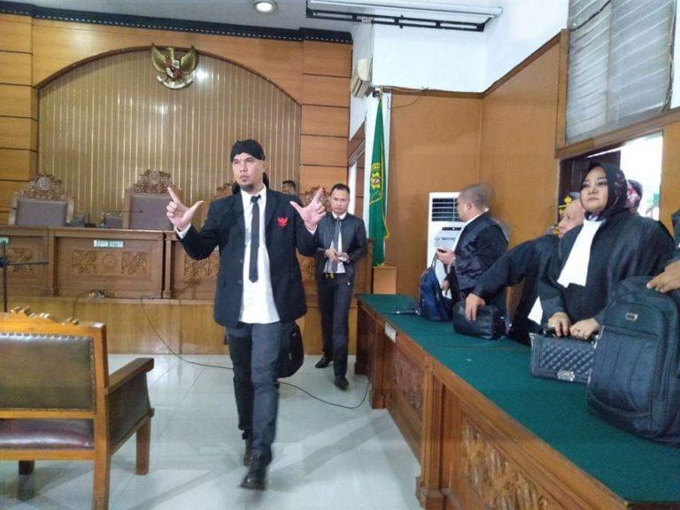 Puisi Fadli Zon untuk Ahmad Dhani; Rezim ini harus segera diganti dan dimusnahkan