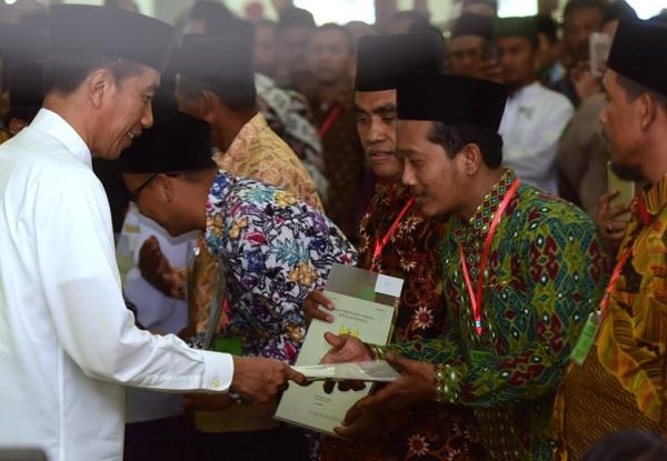 Bagi Sertifikat di Ngawi, Jokowi Tak Ingin Lagi Dengar Polemik Sengketa Tanah