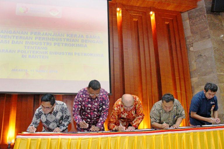 Pemerintah Fasilitasi Pembangunan Politeknik Industri Petrokimia di Banten