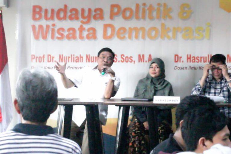 Marbot Politik dan Politik Mie Instan Hiasi Demokrasi Indonesia