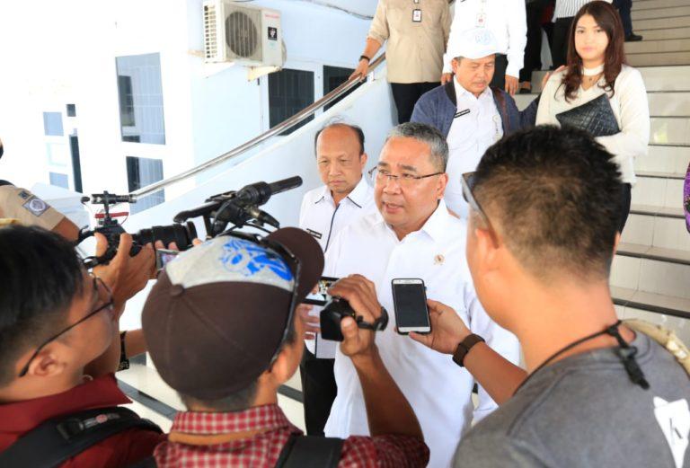 Menteri Eko Sandjojo Ajak Mahasiswa Turun Bangun Desa