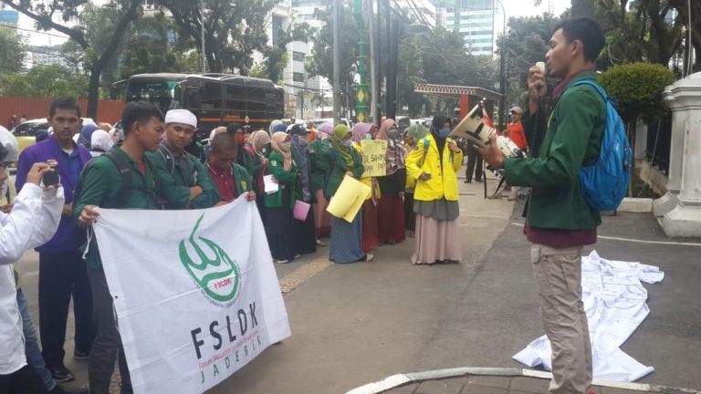 Tolak Penjualan Saham Bir, Mahasiswa Ini Tuding DPRD DKI Doyan Mabuk dan Maksiat