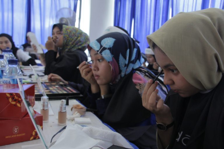 Pelajar Sambut Antusias Kelas Kreatif Jasa Marga di Manado