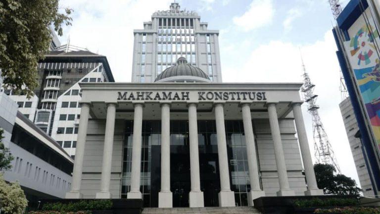 Hadapi Sidang Perdana MK, Tim Hukum BPN Serahkan Dua Truk Bukti