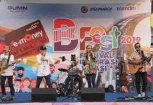 """Sinergi antara PT Jasa Marga Tbk. dan PT Bank Mandiri (Persero) Tbk menghadirkan B Fest 2019: """"Festival Inspirasi Bekasi"""" yang terselenggara di area Tribun Timur Stadion Patriot Chandrabhaga, Bekasi, Minggu (24/2)."""