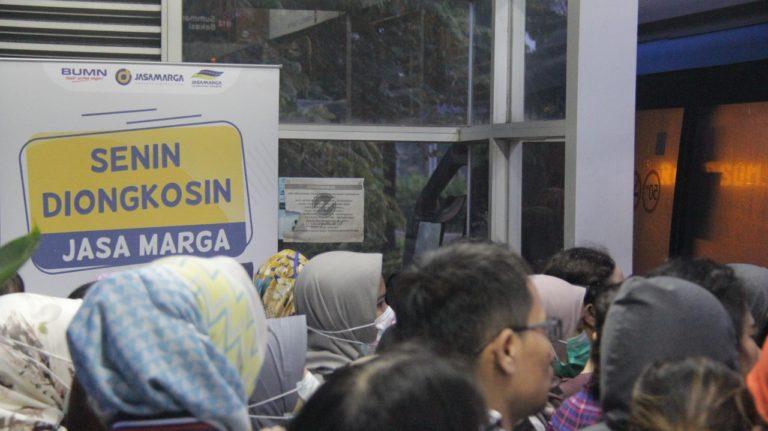 """Urai Kemacetan, Jasa Marga Luncurkan Program """"Senin Diongkosin"""""""