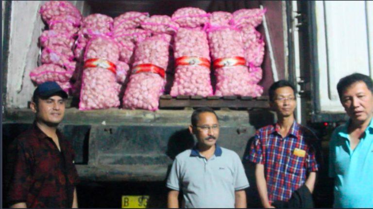 Operasi Pasar Bawang Hari ke Dua di Surabaya Berhasil Turunkan Harga