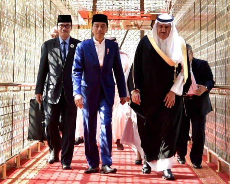 Umroh, Jokowi Disambut Hangat Kerajaan Arab Saudi