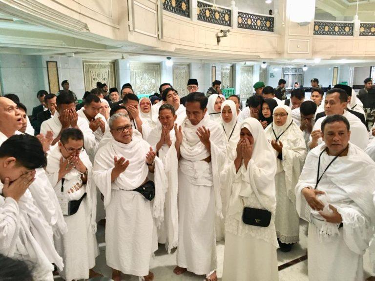 Kumpulan Momen Jokowi Melaksanakan Ibadah Umrah